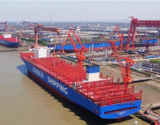 集装箱船能装多少箱